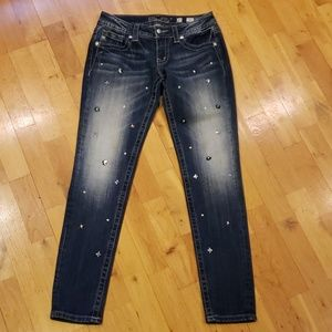 Miss Me Signature Skinny with Bling on Legs